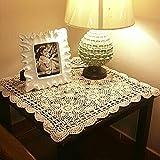 Con questo centrino realizzato a mano in cotone all'uncinetto rivela e migliora la bellezza naturale del tuo tavolo, dando un aspetto dolce e classico. Realizzato in cotone, il centro tavola è progettato per una funzionalità ottimale con ecce...