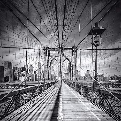 Artland Qualitätsbilder I Glasbild New York City Skyline Wandbild Schwarz-Weiß Fotografie 50x50 cm Bild Brooklyn Bridge Städtebild Monochrom USA Amerika H5XU