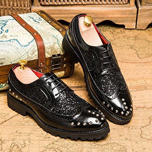 CHNHIRA Homme Chaussures Vernies à Fond Épais Réhaussantes Intérieur Angleterre Style Rivets de Chaussures Pointues Noir