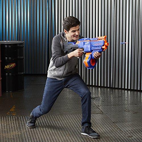 Junge mit N-Strike Elite Infinus