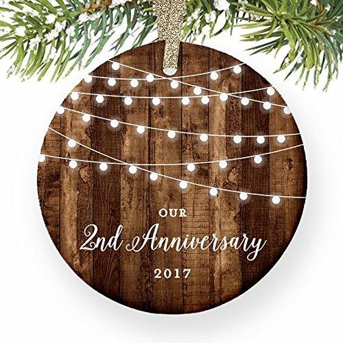 Weihnachtsbaum Decor 2nd Jahrestag Geschenke datiert zweite Jahrestag Married für Paar Mr & Mrs Rustikal Xmas Ornaments für Kinder Weihnachts Jahrestag Geschenke (Datiert Weihnachtsbaum Ornamente)