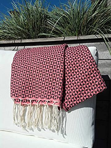 Luxury Fouta Diamond Bath Towel / Sauna Towel with Intricate Diamond Fabric with a Timeless Simple Colour Selection XXL 100 x 190 cm Pink and