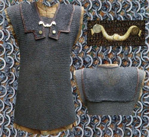 Mittelalterliches Kettenhemd RM Lorica Hamata, ID6mm, vernietet und gestanzt LARP Mittelalter Schaukampftauglich Größe M-XL (L)