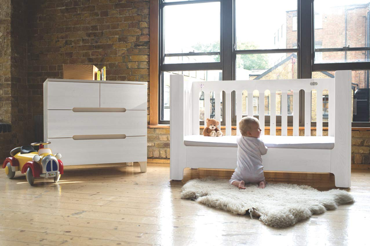 Bloom Alma Max Convertible, Solid Wood, UK/DE Standard Sized Baby Cot from 0-5 Years (Cappuccino)  Alma Max is suitable from newborn to 5 years, beautiful, modern solid wood cot 2 mattress heights allow use as a bassinet & full-size crib  patented compact-fold construction for easy storage & transport (durable storage bag available separately) open slats on all four sides maximize all-important air-flow, 4 lockable castors for room-to-room mobility 5