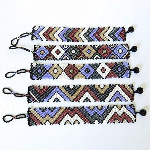 bracelet-plat-petit-en-perles-sud-africain-zoulou-violet-blanc-gris-fonc