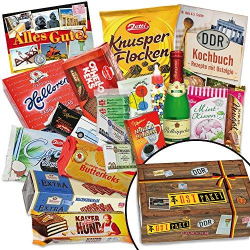Ostpakete Süssigkeiten Box – Halloren-Kugeln Classic, Viba Nougat Stangen, Mokkabohnen uvm. +++ Ostprodukt DDR Box als Geschenkkorb mit Kultprodukten der DDR. Ossi Paket Ostpaket für Männer DDR Paket Ostprodukte Präsentkorb Ostprodukte Geschenk für Frau DDR Süßigkeiten-Box Geschenk Mama und Geschenk Vater DDR Geschenkeset für Papa zu Weihnachten Geschenkset für Ihn Weihnachten Geschenke für Mama zu Weihnachten Geschenkidee für Ehefrau Weihnachten Weihnachten Geschenk