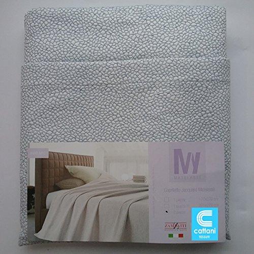 Couvre-lit pour lit 2 personnes - Tissu Matelassé - taille 260 x 270 cm - couleur grise