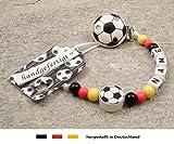 Produkt-Bild: Baby SCHNULLERKETTE mit NAMEN | Motiv Fussball Deutschland - schwarz, rot, gold