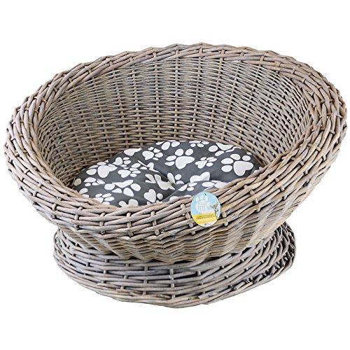 Me & My Pets Circular Woven Basket Bed