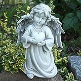 Trauer und Trost Engel mit Herz in der Hand, stehender Deko Grabengel. Höhe 25,5 cm. 1 Stück
