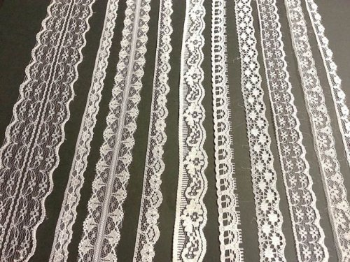 white-vintage-lace-20-metre-assortment-bridal-wedding-trim-ribbon-by-crystals-gems-uk