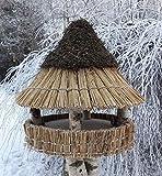 Vogelfutterhaus mit Reetdach und Heidekappe, 'Heidehütte klein'
