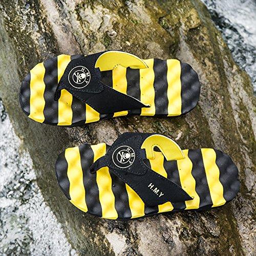 pantoufles hommes d'été, tongs, pantoufles de plage, des semelles en caoutchouc, pantoufles antidérapantes yellow