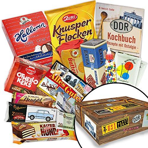 Schokoladige Süßigkeitenbox DDR - Halloren-Kugeln Classic, Pfefferminz-Creme -Schokolade, Rotstern Nougattütchen uvm. +++ Inklusive handlichem Kochbuch im A6 Format +++ Kultige Ossiprodukte in Verpackung +++ Traditionsprodukte im DDR-Paket mit Ostprodukten +++ (Kostüm Großeltern Ideen)