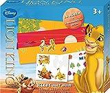 Lena 42639 - Bastelset Disney's König der Löwen Klebe mit mir, mit 2 Hintergrundbögen, Sticker zum Aufkleben, Vorlagen für 5 Figuren zum selbst kleben und 5 Motive zum Ausmalen, mein erstes Bastel und Malset für Kinder ab 3 Jahre