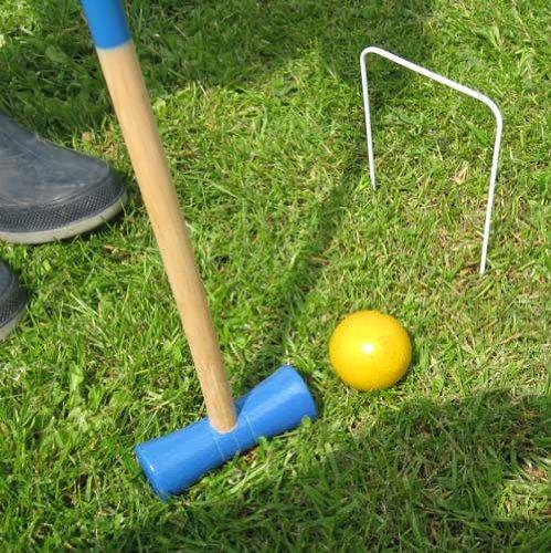 Preisvergleich Produktbild Krocketspiel 2-4 Spieler in versch. Farben, Kinder Krocket Croquet Garten Spiel (LHS)