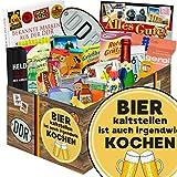 Bier kalt stellen ist auch irgendwie kochen | Ossi Paket | mit Trabi Puffreis, Zitronenkissen Viba und mehr | GRATIS Aufkleber - Bier kalt stellen ist auch irgendwie kochen