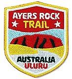 2er-Pack, Stick Abzeichen 51 x 60 mm / Australien Ayers Rock Trail Uluru / Applikation Aufnäher Aufbügler Bügelbild Patch / Iron on Patches für Kleidung Rucksack / Reise Wandern Reiseführer Tourenkarte Karte Kompass