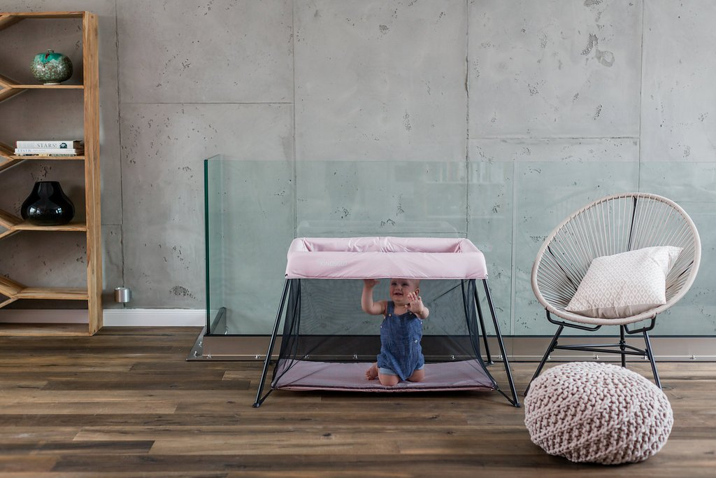 Kindsgut playpen, Stable Travel cot, Delicate Pink Kindsgut Dream area and play paradise for babies, playpen with reclining surface of 100 cm x 58 cm Baby playpen made of eco-friendly materials, free of harmful substances and child appropriate with special design Different colors for boys and girls 5