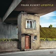 Langsames Arbeiten. Bewusstes Wahrnehmen. Genaues Hinschauen. In unserer Welt, die immer schneller und abstrakter wird, scheint eine solche Arbeitsweise mehr als rar. Doch Ausnahmen bestätigen bekanntlich die Regel: Hätte Frank Kunert (1963 in Frankf...