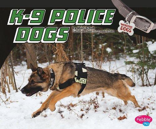 Preisvergleich Produktbild K-9 Police Dogs (Pebble Plus: Working Dogs (Library))