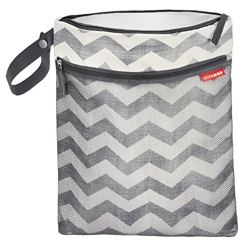 skip-hop-grab-and-go-wet-dry-bag-chevron-grey
