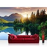 Vlies Fototapete 400x280 cm PREMIUM PLUS Wand Foto Tapete Wand Bild Vliestapete - MOUNTAIN LAKE VIEW - Berge See Sonnenuntergang Romantisch Bäume Wald - no. 051