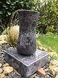 Grabvase aus Granit inklusive Sockel aus Granit Orion Granitvase Grabvase inklusive Sockel Friedhofsvase 22cm x 12cm inklusive Sockel 20cm x 20cm x 5cm Granit Orion