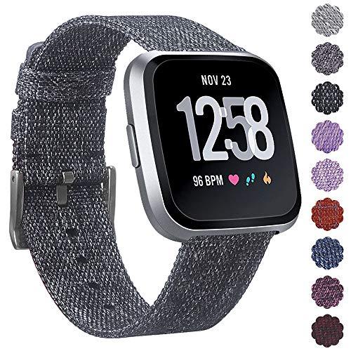 KIMILAR Armbänder Kompatibel mit Fitbit Versa/Versa 2/Versa Lite Armband Stoff, Schnellspanner Nylon Ersatzband Armbänder mit Edelstahl Handgelenk Verschluss für Fitbit Versa Smartwatch (Kohle)