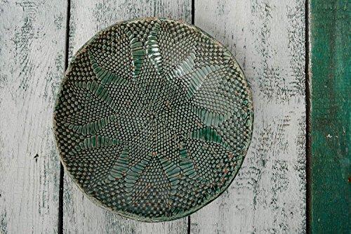 assiette-en-argile-verte-faite-main