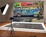 YongFoto 1,5x1m Vinyl Foto Hintergrund Graffiti alte Traktor Karikatur handgemalt Künstlerisch Tapete Grüne Bäume Düstere Betonstraße Natur Frühling Fotografie Hintergrund für Fotoshooting Portraitfotos Party Kinder Hochzeit Fotostudio Requisiten