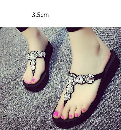 Confortable Vêtements de mode avec pantoufles Pieds glissants estivaux féminins Chaussons inférieurs épais Pente avec les chaussures de dragage des sandales de pied Chaussons de plage (4 couleurs en o D