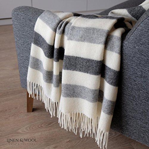 Linen & Cotton Flauschige Warme Decke Wolldecke Gestreift Wohndecke Kuscheldecke Malmo - 100% Reine Neuseeland Wolle, Grau/Anthrazit/Weiß/Weiss (140 x 200cm), Sofadecke/Überwurf/Plaid Schurwolle -