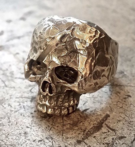 Handgeschmiedeter Totenkopfring aus massivem Sterlingsilber 925/000
