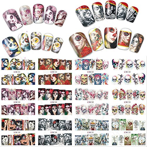 Sukisuki 24 Blatt Halloween Cartoon Totenkopf Wasser Transfer DIY Maniküre Tips Nail Art Sticker selbstklebend Nail Art Decals Decor