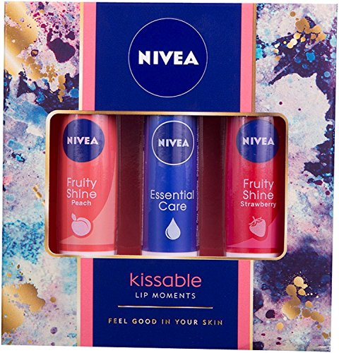 nivea-kissable-lip-moments-gift-set-for-women-3-pieces