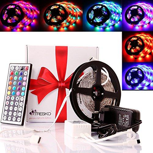 TRESKO®Strisca luminosa LED 5m RGB con 300 LED (SMD3528), 20 Colori disponibili, 72W, dimmerabile, 6 impostazioni dei colori programmabili, incluso Telecomando-IR 44 Tasti, 12V [Classe energetica A +]
