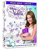 Walt Disney Company Dvd violetta - stagione 01 #01 (9 dvd)Violetta è una ragazza timida e riservata che possiede una voce magnifica ereditata da sua madre, una celebre cantante scomparsa quando lei non era che una bimba. Superprotetta dal pad...