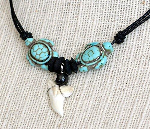 Collar diente tiburon colgante boho chic surfero 2 tortugas howlita turquesa madera de coco hueso tallado ajustable cordón negro