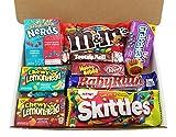 Kleiner American Candy Geschenkkorb | Retro Süßigkeiten und Schokolade Geschenkkorb | Auswahl beinhaltet Reeses, M&M, Skittles, Nerds, Hersheys | 11 Produkte in einer tollen retro Geschenkebox