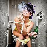 Wallario Glas-Uhr Echtglas Wanduhr Motivuhr • in Premium-Qualität • Größe: 30x30cm • Motiv: Kloparty - Sexy Frau auf Toilette Zigarette und Schnapsflasche - Farbig