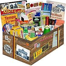 """Ostpaket """"DDR SPEZIALITÄTEN BOX XXL"""" inkl. Buch """"Bekannte Marken aus der DDR"""" + Geschenkverpackung. Geschenk mit Ostprodukten und Marken wie Halloren, Wikana und Rotstern. Ein tolles Geschenk mit Traditionsprodukten und Kultprodukten aus der ehemaligen DDR. Ostpaket DDR Geschenkbox DDR Produkt DDR Box Waren DDR Geschenk für den Mann DDR"""