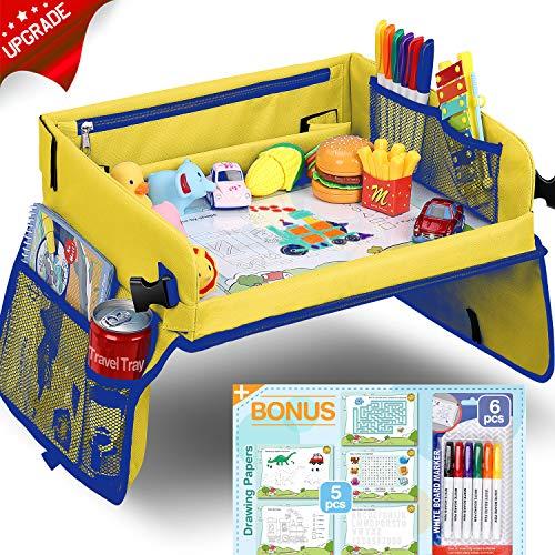 Flyfun Kinder Reisetisch Kindersitz Spiel, Tragbar Tablett, Knietablett Reisetisch mit 5 Zeichenpapier + 6 Farbstifte, Spieltisch Autositz Tisch für Buggys, Kinderwagen, Auto, Flugzeug, Bahn
