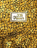 2019 Planner: Gold 2019 planner with weekly, to-do lists, inspirational quotes and funny holidays. The perfect 2019 organizer with vision boards and much more. (Gold Planners, Band 4)