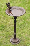 Vogeltränke, Vogelbad mit schöner Feen Figur, aus Gusseisen in antikbraun, mit Standfuß, ca. 30 cm x 30 cm x 64 cm