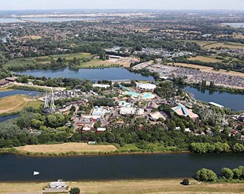 MOUSE MAT featuring an aerial view of Thorpe Park amusement park