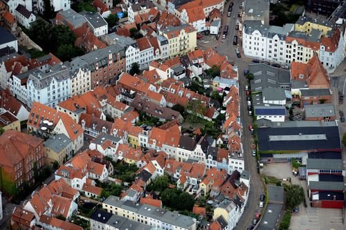 MF Matthias Friedel - Luftbildfotografie Luftbild von Große Gröpelgrube in Lübeck (Lübeck), aufgenommen am 12.08.12 um 12:49 Uhr, Bildnummer: 6262-23, Auflösung: 7360x4912px = 36MP - Fotoabzug 50x75cm