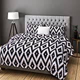 Rago Relish Abstract Geometrical Print Black And White BEDSHEET Set
