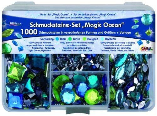 Kreul 49644 - Schmucksteine Set Magic Ocean, zur Gestaltung von modischen Accessoires und Home Deco, 1000 Steine in den Farben blau, türkis, hellgrün und hellblau, in verschiedenen Formen und Größen