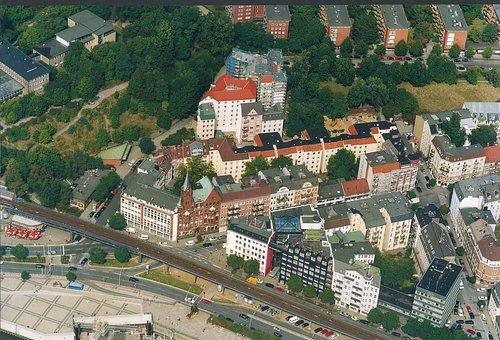 MF Matthias Friedel - Luftbildfotografie Luftbild von Johannisbollwerk in Hamburg (Hamburg), aufgenommen am 25.08.99 um 12:00 Uhr, Bildnummer: 0957-04, Auflösung: 3000x2000px = 6MP - Fotoabzug 50x75cm